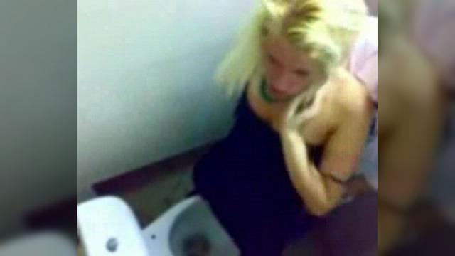 Ночной клуб скрытая камера туалет абзаково клубы ночные